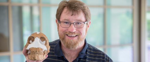 Augur Lecturer John Mead '85 Brings His Story — and a Skull to Campus